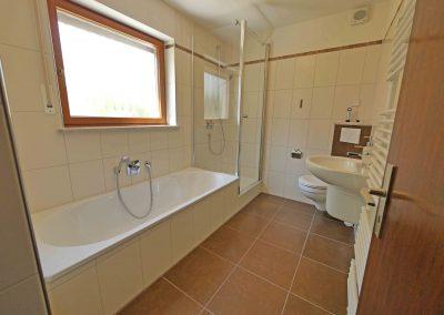 Erstbezug nach Kernsanierung – 2,5-Zimmer-Wohnung für Singles nahe Altdorf
