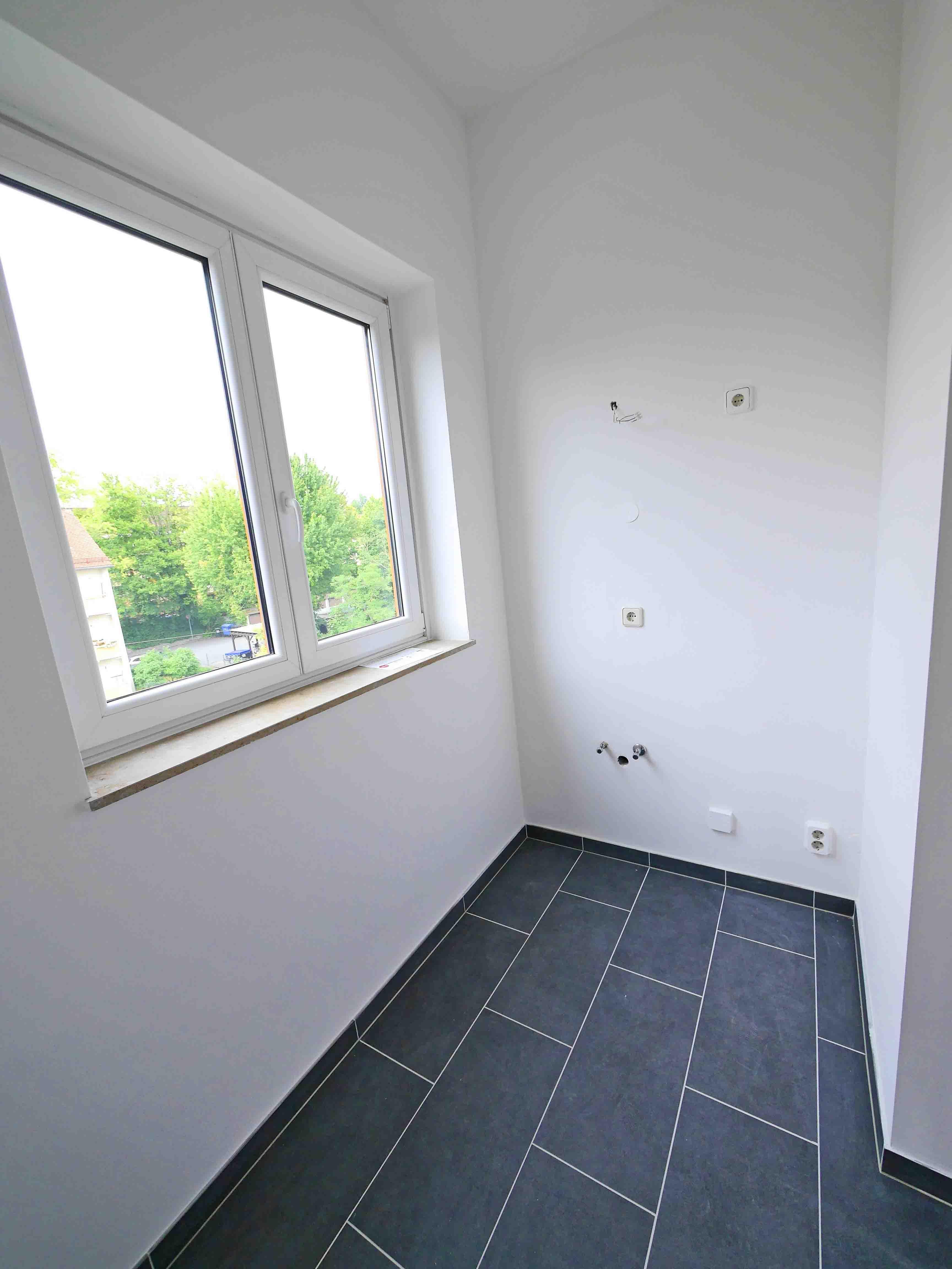 verkauft ein traum im dach penthouse mit balkon und dachterrasse der ausblick traumhaft. Black Bedroom Furniture Sets. Home Design Ideas